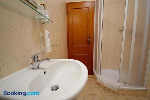 Penzion Tematin - Moravany nad Váhom - Bathroom