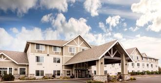 La Quinta Inn & Suites by Wyndham Newport - Newport - Edificio