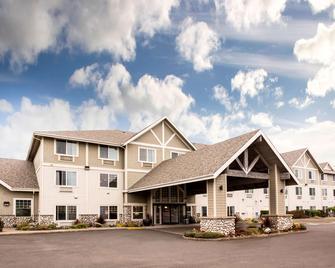 La Quinta Inn & Suites by Wyndham Newport - Newport - Building