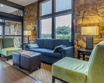 Comfort Inn and Suites near Danville Mall - Danville - Obývací pokoj