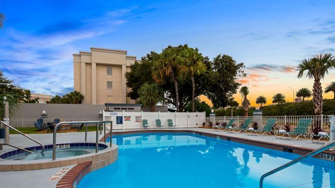 Best Western Ocala Park Centre - Ocala - Pool