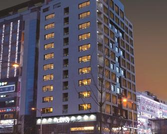 Days Hotel Dongtan - Hwaseong - Building