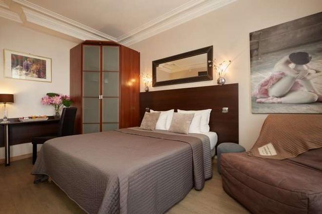 Hotel le Twelve - Paris - Bedroom
