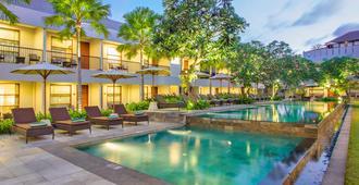 Amadea Resort & Villas - קוטה - בריכה