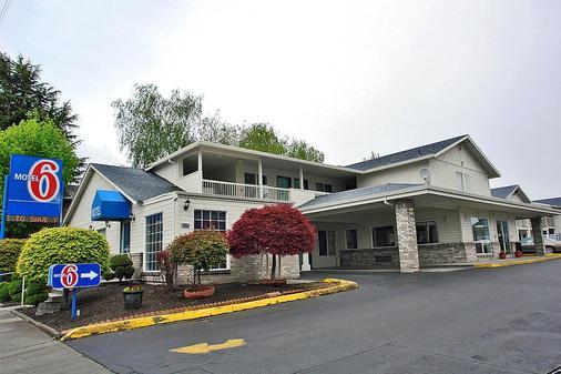 Motel 6 Portland Mall 205 - Portland - Building