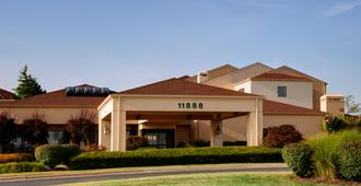 Courtyard by Marriott St. Louis Westport Plaza - St. Louis - Building
