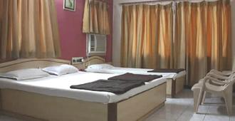 Hotel Uttam by Sky Stays - Dwārka - Bedroom