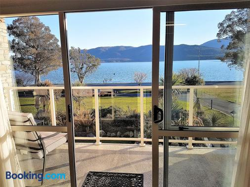Fiordland Lakeview Motel And Apartments - Te Anau - Balcony