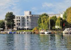 Hotel Am Schloss Koepenick Berlin by Golden Tulip - Berliini - Rakennus