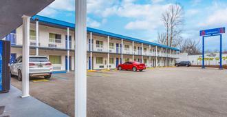 Motel 6 Huntington, WV - Huntington