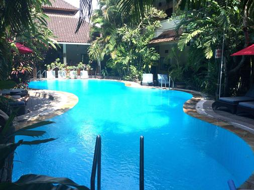 Secret Garden Inn - Kuta - Pool