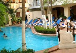 Los Arcos Suites - Puerto Vallarta - Bể bơi