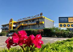 Premiere Classe Perpignan Sud - Περπινιάν - Κτίριο