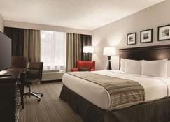 Country Inn & Suites by Radisson, Traverse City - Traverse City - Sypialnia
