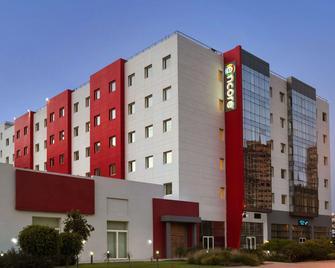 Ramada Encore by Wyndham Tangier - Танжер - Building