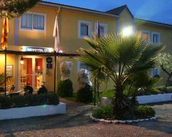 Brit Hotel Salon De Provence - Salon-de-Provence - Edificio