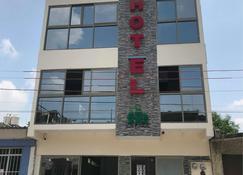 Hotel Los Pinos Centro - Tuxtla Gutiérrez - Building
