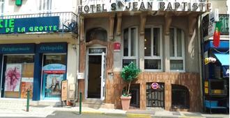 Hotel Saint Jean Baptiste - לורד