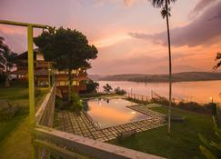 威斯塔拉渡假村 - Ambalavayal - 游泳池