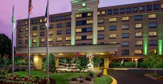 Holiday Inn Charlotte University - Charlotte - Building