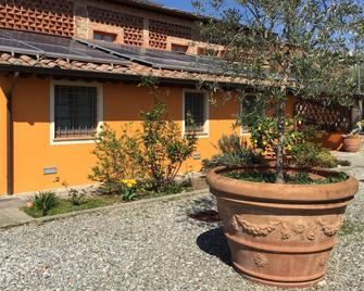 Corte Capitani - Capannori - Outdoors view