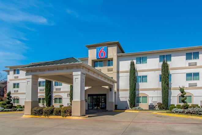 Motel 6 Dallas - North - Dallas - Toà nhà