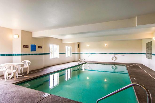 Rodeway Inn - Salem - Pool