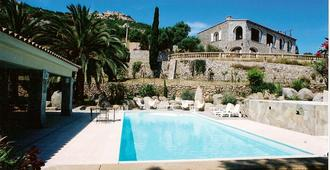 The Manor - Calvi - Pool