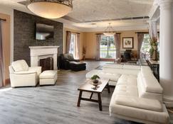 Red Lion Hotel Pocatello - Pocatello - Living room