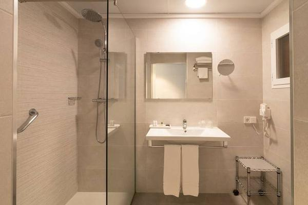 Hotel Cap Negret - Altea - Bathroom