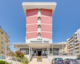 Hotel Ambassador - Каорле - Building