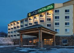 La Quinta Inn & Suites by Wyndham Butte - Butte - Edifício