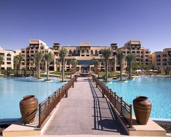 Saadiyat Rotana Resort & Villas - Abu Dhabi - Pool