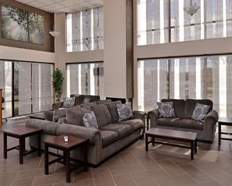 Quality Inn & Suites - Matteson - Living room