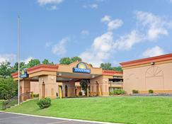 Days Inn by Wyndham Durham/Near Duke University - Durham - Bangunan