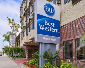 Best Western Airpark Hotel - Inglewood - Building