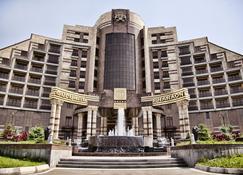 Multi Grand Pharaon Hotel - Arrinj - Building