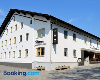 Landgasthof Wurm - Bogen - Edificio