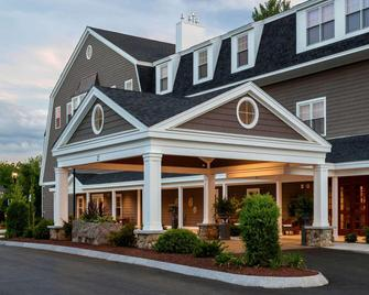 The Grand at the Bedford Village Inn - Bedford - Building