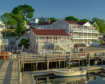 Tugboat Inn - Boothbay Harbor - Building