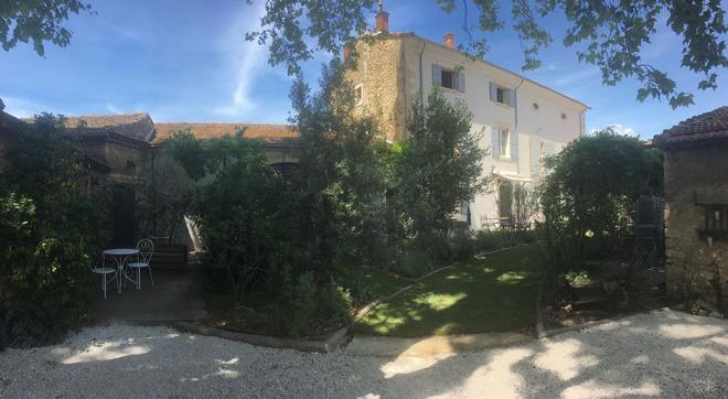 La Bastide des Songes - Demeure d'hôtes - Robion - Building