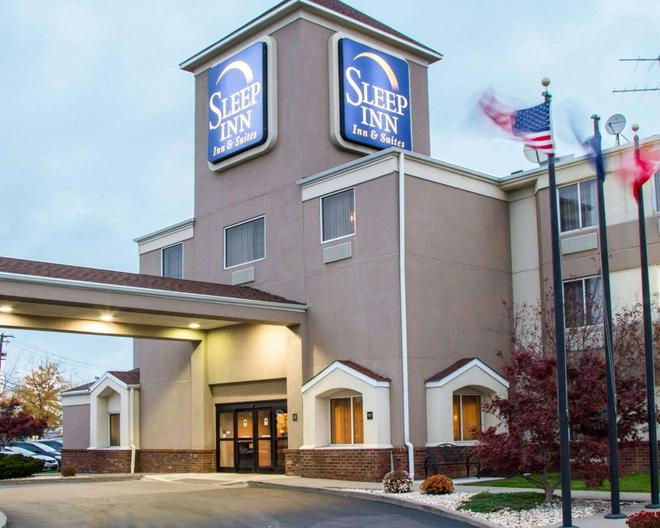 Sleep Inn & Suites Buffalo Airport - Cheektowaga - Building