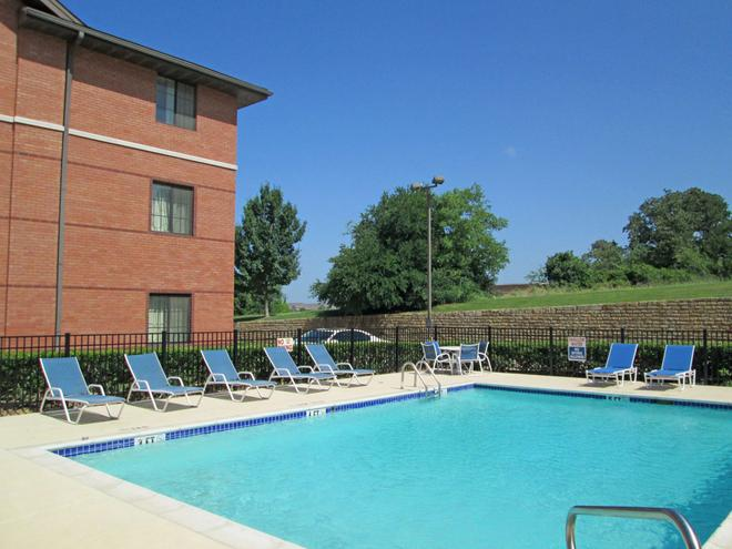 Extended Stay America - Dallas - Bedford - Bedford - Pool