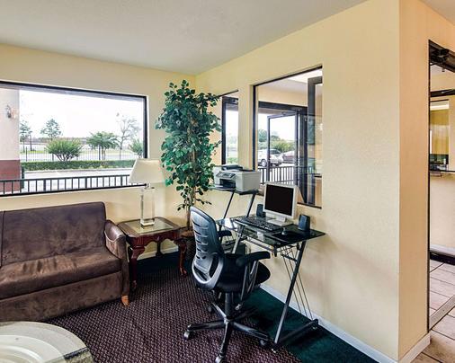 Rodeway Inn & Suites Hwy 290 NW - Houston - Khu vực làm việc