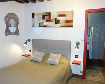 Hôtel La Licorne - Beaugency - Bedroom