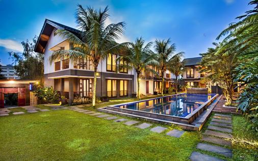 Summer Hills Hotel - Bandung - Edificio