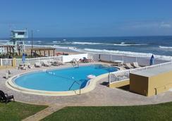 綴富沃德比奇汽車旅館 - 奥蒙德海灘 - 奧蒙德海灘 - 游泳池