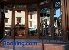 Hotel Orla - Viella - Building