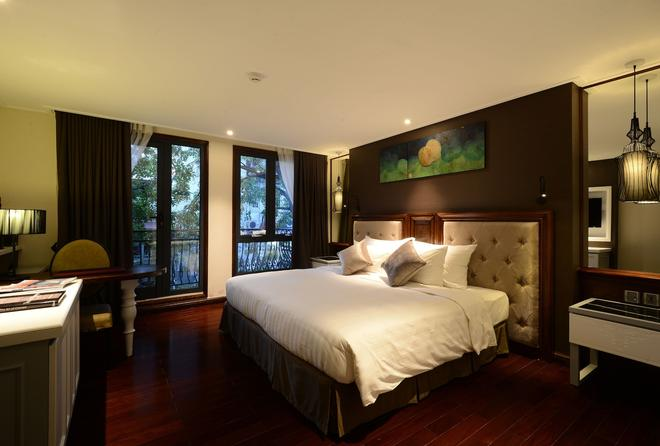 The Chi Boutique Hotel - Hanoi - Bedroom