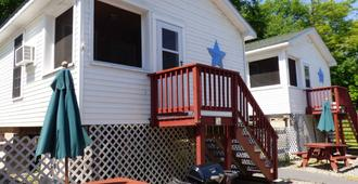 Weirs Beach Motel and Cottages - Laconia - Edificio